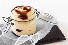 mousse al mascarpone fatto in casa da benedetta mousse di mascarpone e caramello ricetta dolce salsa caramello nel 2020 mousse mascarpone dolci