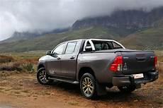 Toyota Hilux 2 8gd 6 Cab 4x4 Dakar 2018