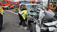 A7 Schwerer Unfall Mit Zwei Lkw Und Einem Auto G 246 Ttingen