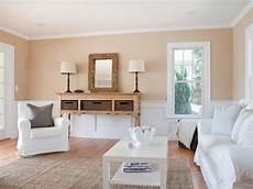 landhausstil wohnzimmer ideen wandfarben ideen sand weiss landhausstil mediterran