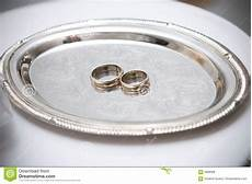 two wedding rings on the plate image of jewelry couple 4088598