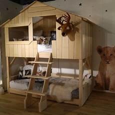 cabane de lit superposé lit cabane simple ou superpos 233 en bois pour chambre d enfants mathy by bols chez brody s en
