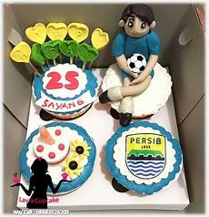 cupcake ultah pacar penggemar persib bandung kue ulang tahun sidoarjo surabaya