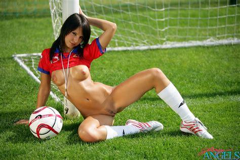 Nude Soccer Girls