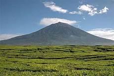 5 Gunung Paling Berbahaya Di Indonesia Uuzi21