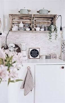 Weinkisten Shabby Streichen - home decorating ideas kitchen diy shelves made of wine