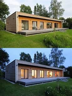 Holz Fertighaus Bungalow - moderner bungalow mit holz fassade und riesiger terrasse