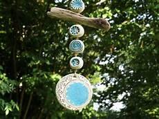 gartendekoration keramik garten windspiel mit treibholz