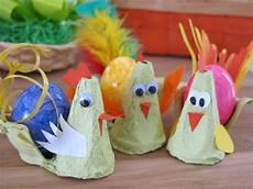 Diy Wir Basteln Ein Osterhuhn Aus Eierkarton Ideas4parents