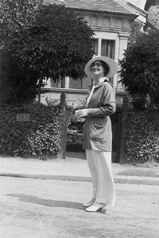 chanel in coco chanel pictures historic pictures of coco chanel
