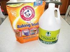 Bathroom Cleaner With Baking Soda And Vinegar by Foot Soak Using Vinegar And Baking Soda Miracle Cleaner