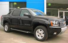 free car manuals to download 2005 chevrolet avalanche 1500 interior lighting chevrolet avalanche repair manual free download carmanualshub com