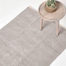 hellgrauer teppich hellgrauer chenille teppich mit naturfarbenem rand aus 100