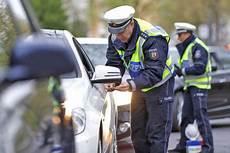 fahren ohne fahrerlaubnis fahren ohne fahrerlaubnis strafen autobild de