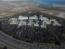 facebooks new menlo park cus to be designed by frank bringing a farmers market to its parking lot