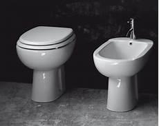 vaso bagno sanitari bagno alba