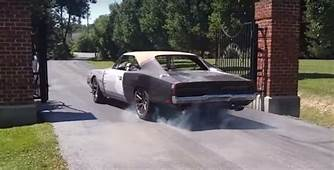 THIS KID SWAPPED A HELLCAT MOTOR IN 1969 DODGE CHARGER