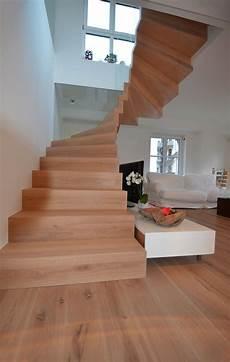 Wohnung Mit Freitragender Faltwerktreppe Treppenbau