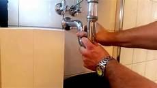 Waschbecken Abfluss Verstopft Schnelle Hilfe