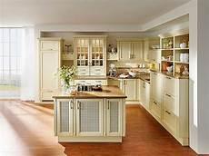 Landhausküche Mit Kochinsel - landhausk 252 che modern mit k 252 cheninsel in l form