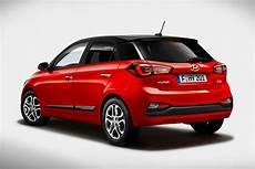new hyundai i20 facelift revealed pictures auto express