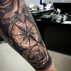 kompass unterarm arm kompass tats kompass