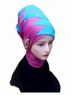 Tutorial Jilbab Wisuda Untuk Wajah Bulat Turorial