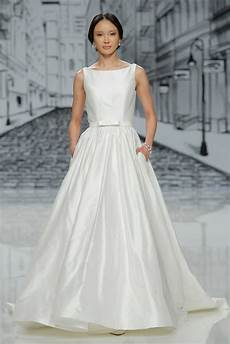 Simple Wedding Gown Designs simple wedding dresses classic designer bridal gown