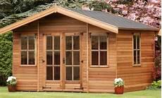 casette da giardino bambini usate casette in legno a bordo piscina vantaggi permessi e
