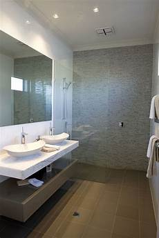 bathroom tile feature ideas 25 beautiful warm bathroom design ideas decoration