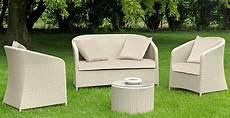 divanetti in vimini da esterno poltrone sdrai o divanetti da giardino l arredo pi 249