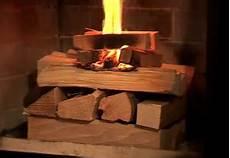 tipps kaminofen richtig brennholz kaminofen tipps how wissen