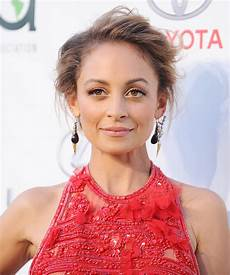 Nicole Richie Nicole Richie Stuns In Red To Host The 2016 Environmental