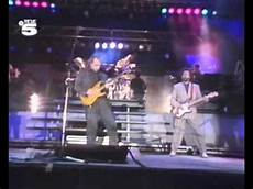 sultans of swing clapton dire straits eric clapton sultans of swing wembley 1988