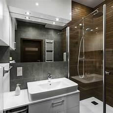 33 Terrific Small Master Bathroom Ideas 2020 Photos