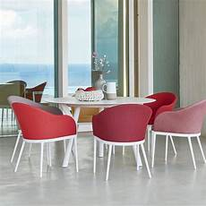 table de jardin moderne table ronde de jardin de design moderne h 75 cm varaschin