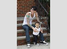 machine gun kelly baby mama