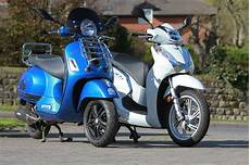 honda sh 300i 2016 honda sh300i review road test scooterlab