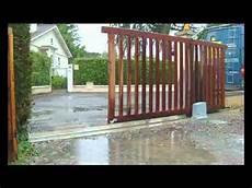 portail en bois robuskit 400 ouverture portail coulissant bois par