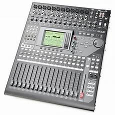 yamaha 01v96i digital mixing console 40 channels studio