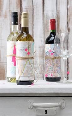 Sch 246 Nes Sch 246 N Verpacken Weinflaschen Mit Landkarten