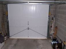 isoler sa porte de garage rev 234 tements modernes du toit
