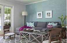 Zimmer Grau Blau - light blue and grey living room with wooden futon