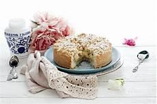 ricetta sbriciolata crema e amarene chiarapassion torta sbriciolata crema e amarene la ricetta che vale