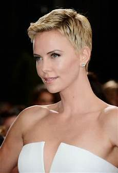 celebrity hairstyles charlize theron short pixie blonde