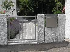 betonpfosten für gartenzaun zaunelemente miedelsbach stahlbau n 228 gele