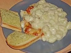 nudeln mit käse gnocchi nudeln mit 4 k 228 se sauce rezept mit bild