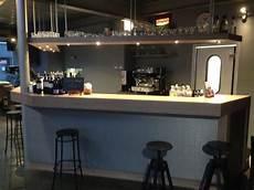 bar en béton ciré mobilier et agencement en loire atlantique 44