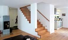 holzstufen auf betontreppe treppenstufen aus