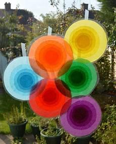 basteln fasching fenster suncatcher f 252 r die fenster suncatcher bastelarbeiten aus papier und pappe und taschentuch kunst